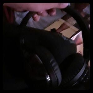Headphones that are black